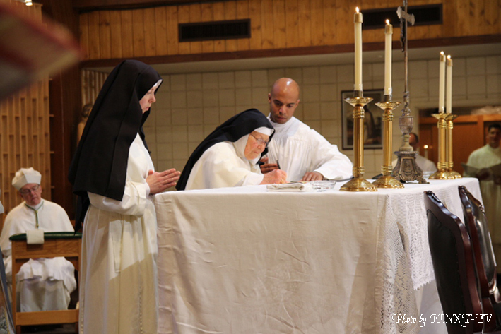06 Signing of the Religious Profession