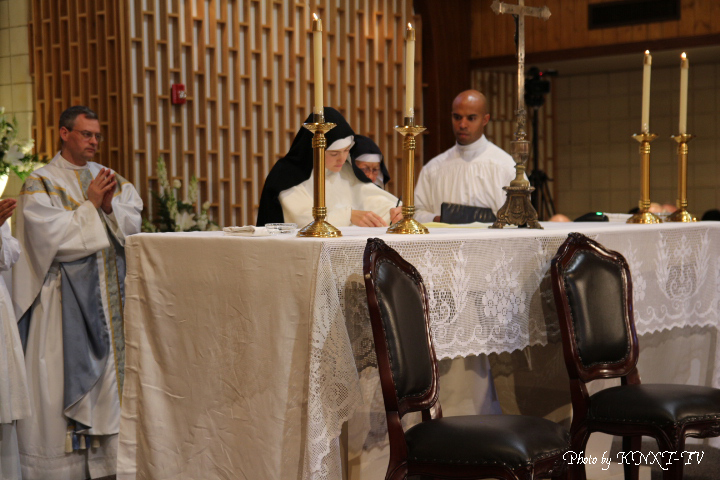 11 Signing of the Religious Profession