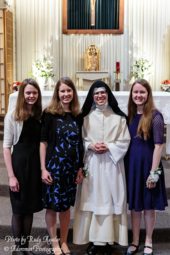 33 Sr. Mary Thomas with her sisters